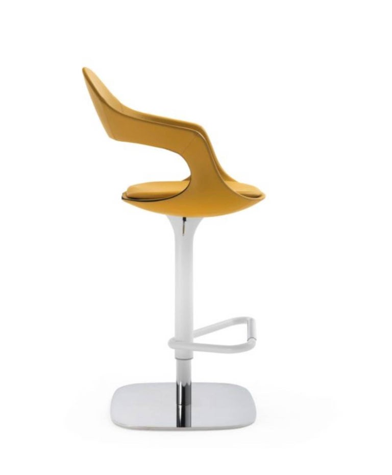 Modern Italian Bar or Counter Stool, Leather or Felt, Adjustable and Swivel In New Condition For Sale In Jersey City, NJ