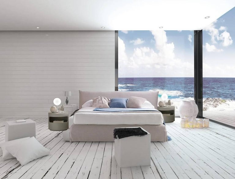 Italian Modern Clouds Bed, Italy, New, Fabric, Italian Bedroom In New Condition For Sale In Jersey City, NJ