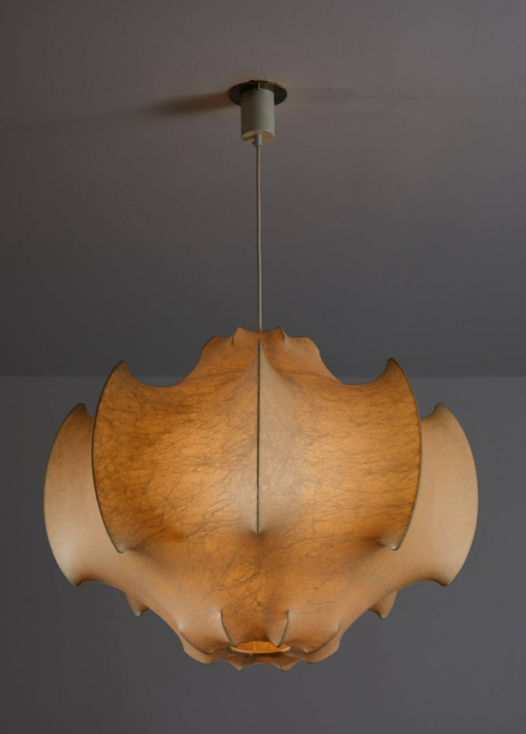 Original Viscontea suspension light by Achille & Pier Giacomo Castiglioni for Flos. Designed and manufactured in Italy, circa 1960s. Plastic polymer resin applied with spraying technique on to enameled iron frame. Rewired for US junction boxes.
