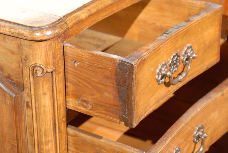 French Louis XV Period 18th Century Walnut Four-Drawer Commode with Star Motif 5