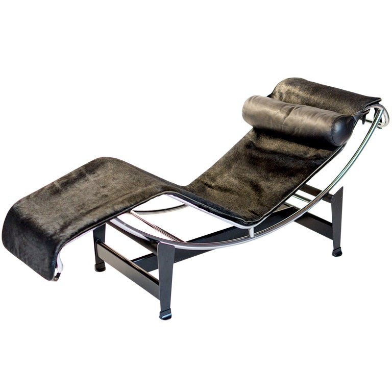 Le Corbusier LC4 in Pony skin made by Cassina Italy at 1stdibs : XXX942313451978431 from 1stdibs.com size 768 x 768 jpeg 53kB