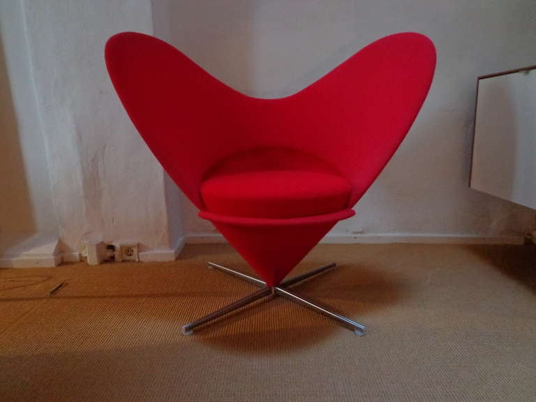 Amazing Haert cone chair in original Kvadrat/Tonus fabric. Marked by the manufacturer  Literature: Verner Panton: The Collected Works, Remmele, ppg. 241-242.