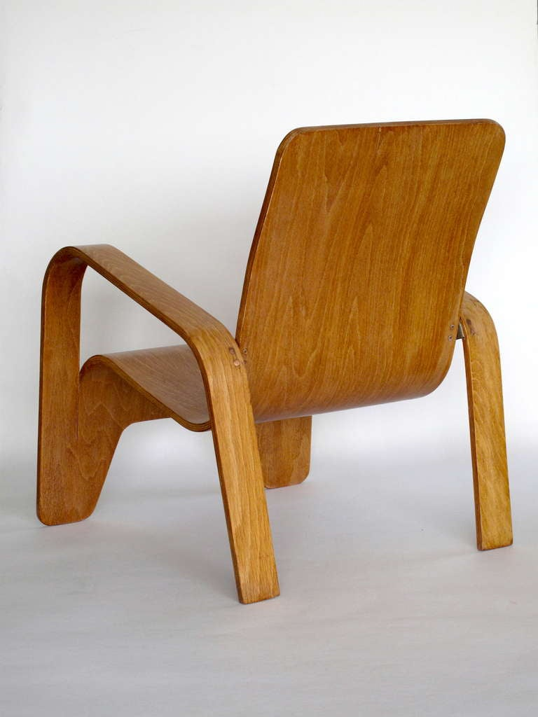 Mid-20th Century Pair of plywood Lounge Armchairs by Han Pieck Made by Lawo, Netherlands, 1940s For Sale