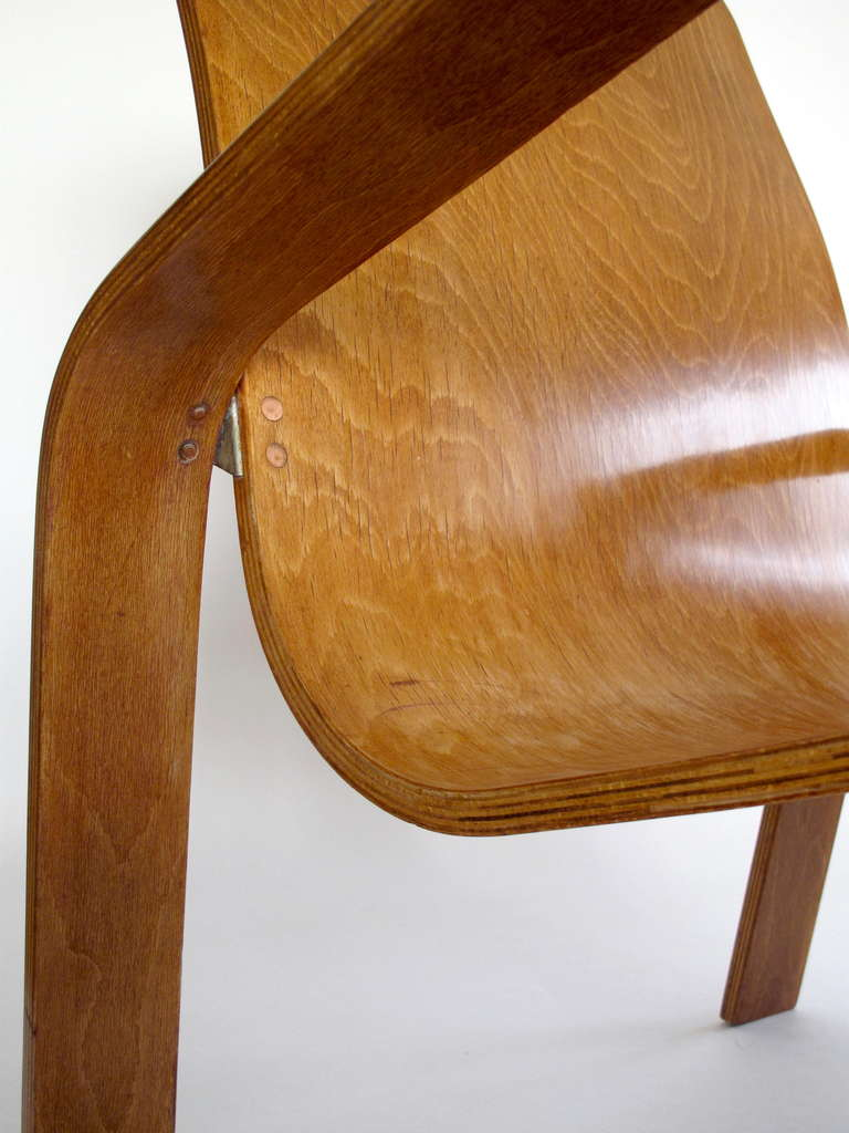 Pair of plywood Lounge Armchairs by Han Pieck Made by Lawo, Netherlands, 1940s For Sale 2