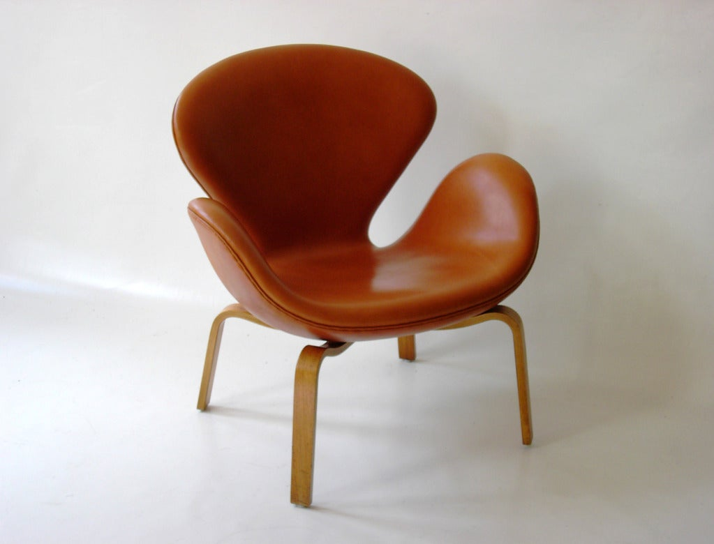 This arne jacobsen swan chair in cognac leather by fritz hansen is no - Swan Chair Model 4325 By Arne Jacobsen For Fritz Hansen 2