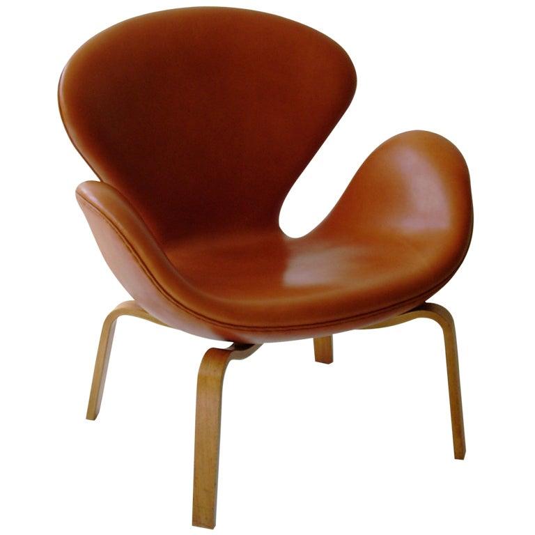 Swan chair jacobsen - Swan Chair Model 4325 By Arne Jacobsen For Fritz Hansen
