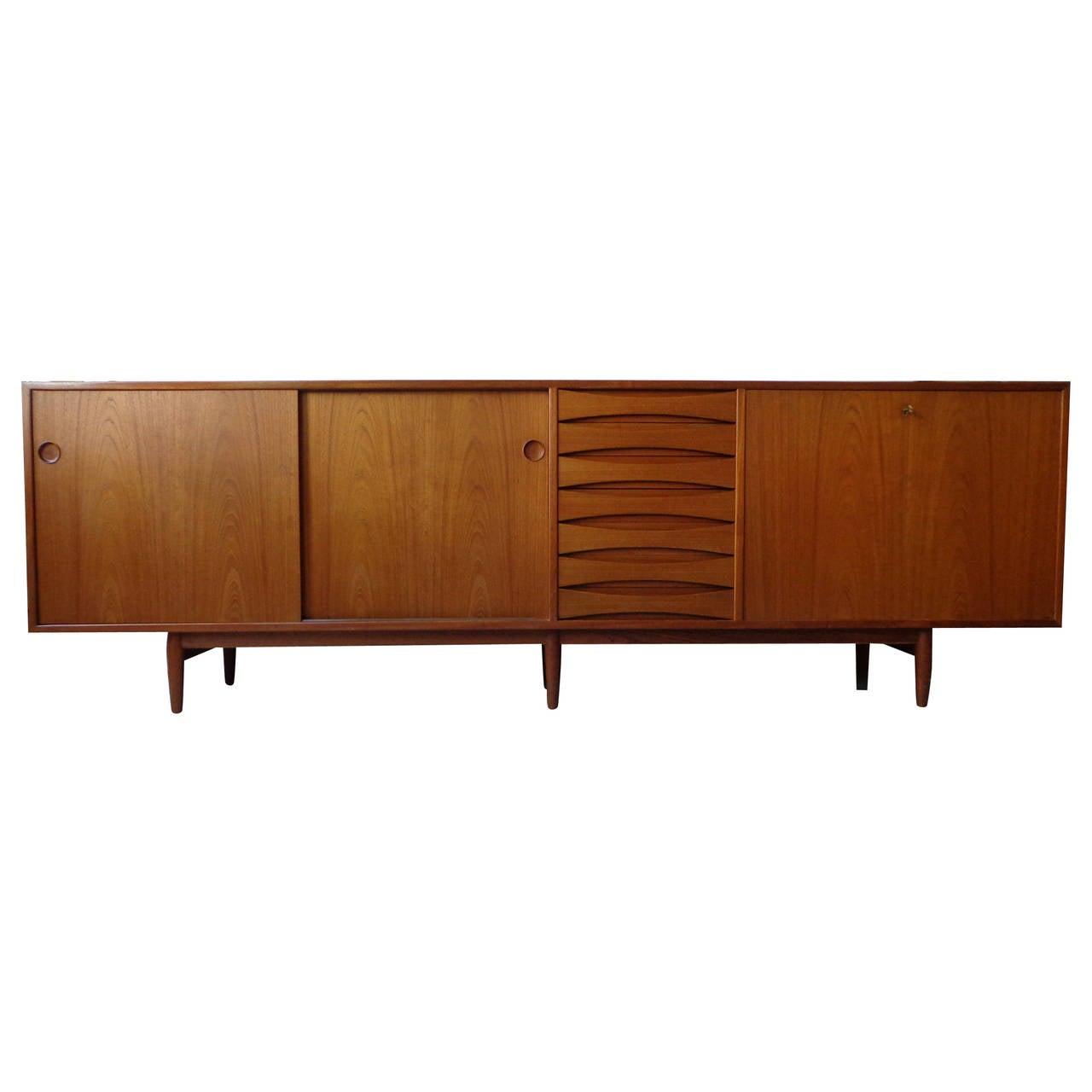 arne vodder sideboard or credenza in teak by sibast mobler at 1stdibs. Black Bedroom Furniture Sets. Home Design Ideas