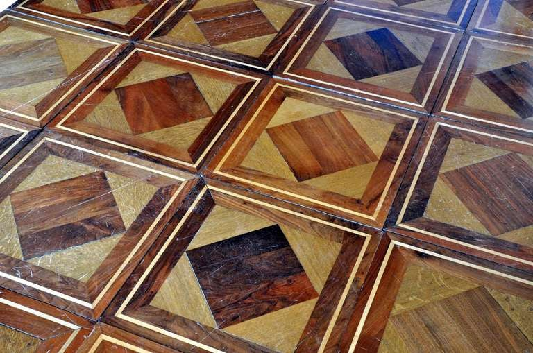 Wood geometrical panels dated 19th century In Good Condition For Sale In Richebourg, Yvelines
