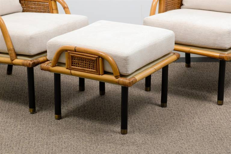 American Sublime Pair of Modern Rattan and Cane Lounge Chairs by Ficks Reed, circa 1950 For Sale