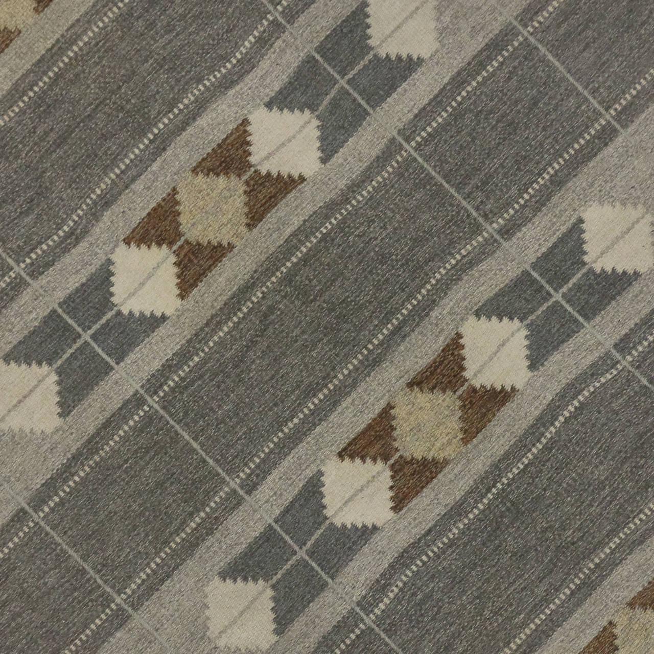 Modern Scandinavian Rug: Vintage Swedish Rollakan Gray Flatweave Kilim Rug With
