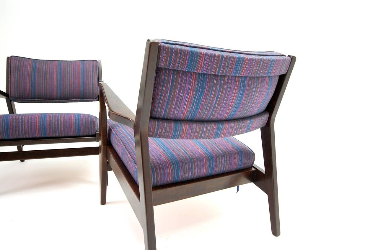 Pair of Jens Risom Lounge Chairs in Walnut For Sale 2