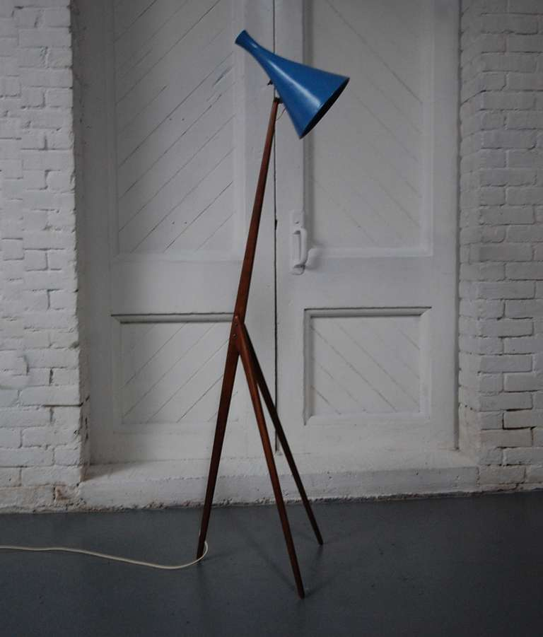 praying mantis floor lamp by luxus vittsj at 1stdibs. Black Bedroom Furniture Sets. Home Design Ideas
