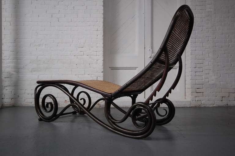 Chaise n 14 thonet 28 images thonet bentwood chaise for Chaise bentwood