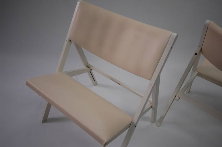 Pair of Gabriella Folding Chairs by Gio Ponti In Good Condition For Sale In Providence, RI