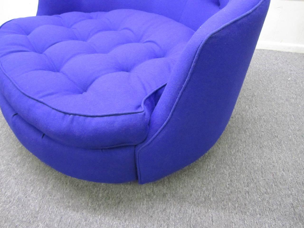 Fabulous Oversized Round Circular Milo Baughman Swivel Lounge Chair at 1stdibs