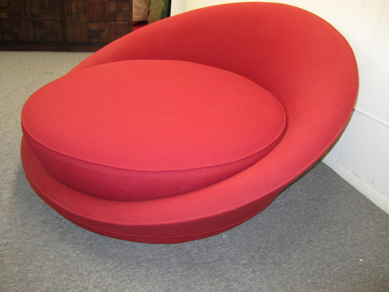 Fabulous Circular Round Lounge Chair by Milo Baughman, Mid ...