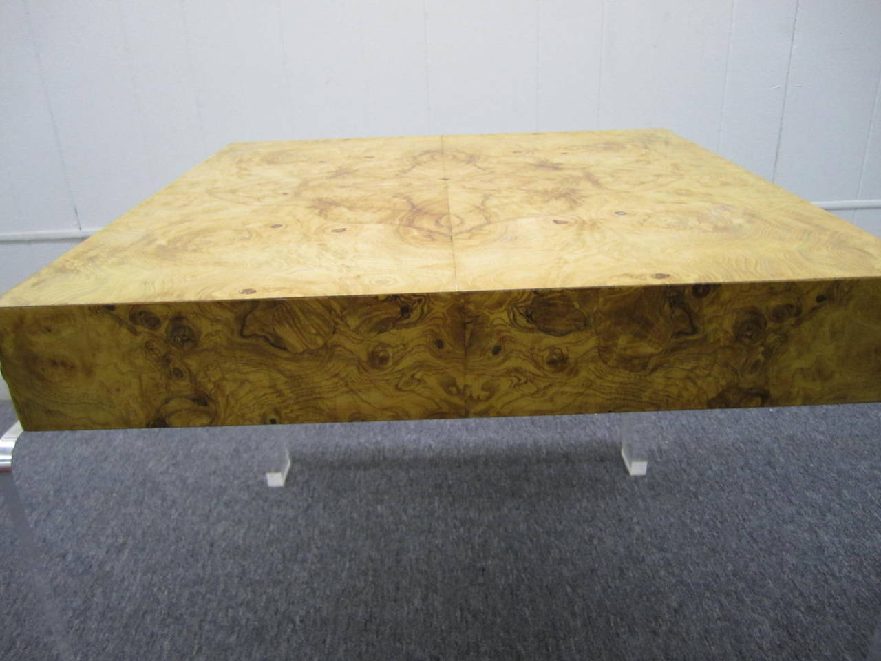 Mid-20th Century Milo Baughman style Lucite and Olive Ash Burl  Side End Table Mid-century Modern For Sale