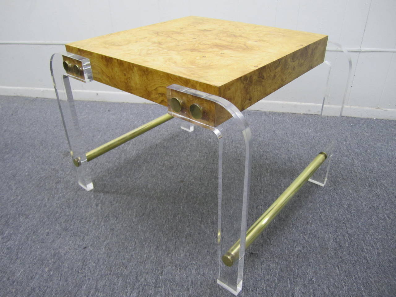 Milo Baughman style Lucite and Olive Ash Burl  Side End Table Mid-century Modern For Sale 3