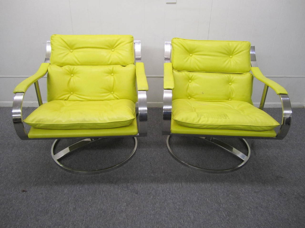 Steelcase lounge chairs - Pair Of Gardner Leaver For Steelcase Oversized Chrome Swivel Lounge Chairs 2