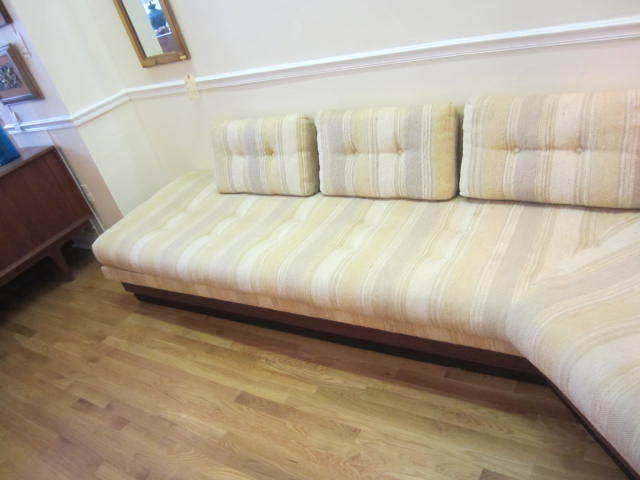 American Adrian Pearsall Boomerang Platform Sofa Mid-century For Sale