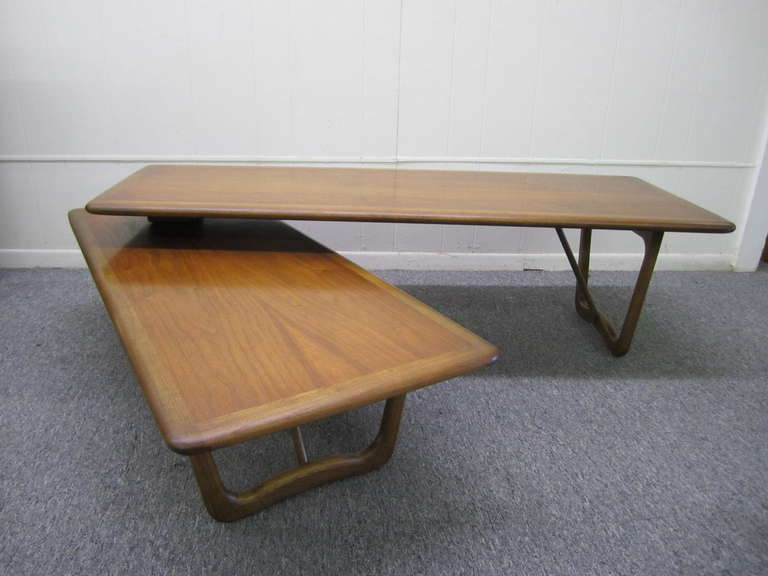 Lovely Mid Century Modern Boomerang Walnut Coffee Table Two Adjule Tables Are Connected By