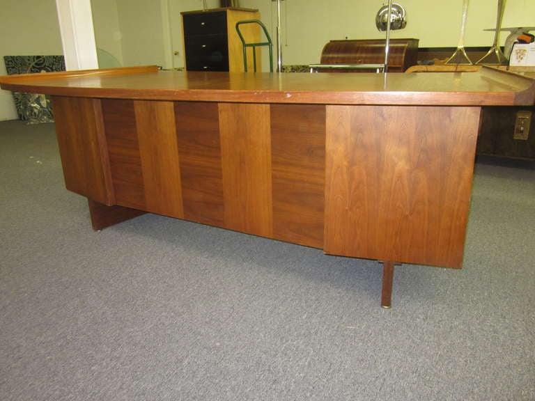 Mid-Century Modern Harvey Probber Curved Top Walnut Desk Mid-century Danish Modern