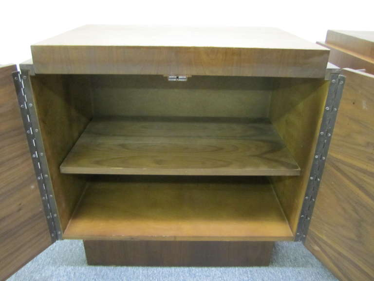 Walnut Gorgeous Pair of Brutalist Evans inspired Night Stands Mid-century Modern For Sale