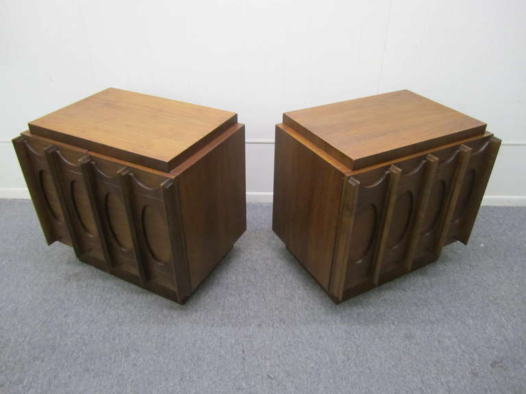 Gorgeous Pair of Brutalist Evans inspired Night Stands Mid-century Modern For Sale 3