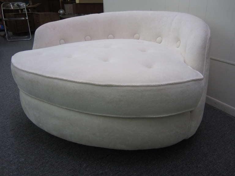 Milo Baughman Thayer Coggin Round Swivel Lounge Chair Mid
