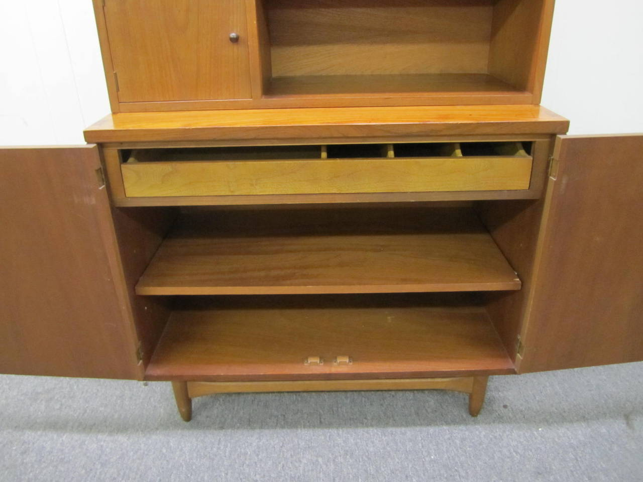 Mid-20th Century Rare Lane Acclaim Cabinet Caned Hutch, Mid-Century Modern For Sale
