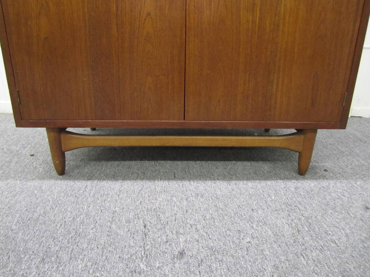 Rare Lane Acclaim Cabinet Caned Hutch, Mid-Century Modern For Sale 1