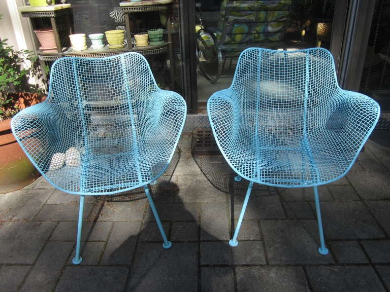 LOVELY PAIR OF TURQUIOSE MESH SCULPTRA PATIO CHAIRS.   THEY HAVE BEEN FRESHLY PAINTED WITH SEVERAL COATS OF RUSTOLEUM AND LOOK GREAT.  YOU WILL LOVE THESE ON YOUR PATIO OR NEXT TO YOUR POOL.