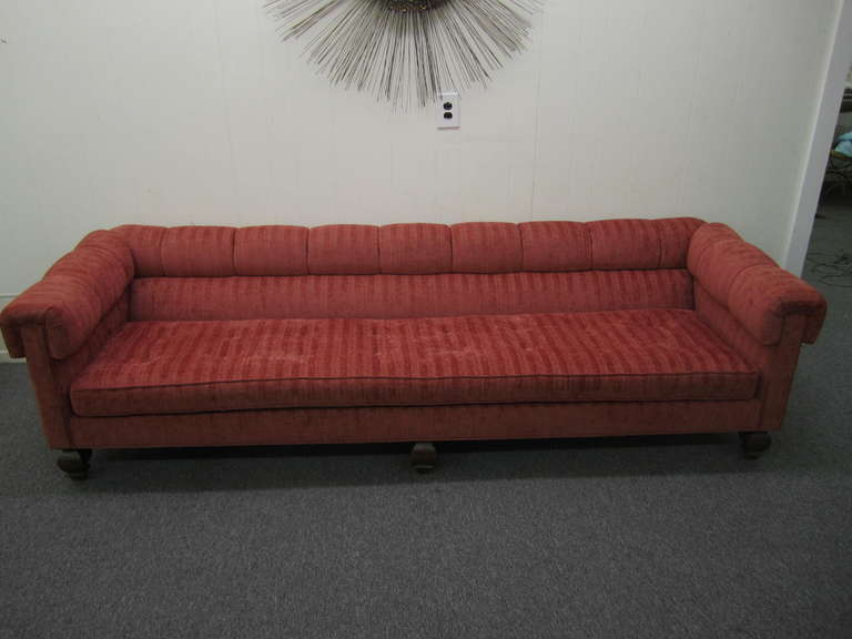 Elegant Stunning Harvey Probber Style Long Low Sofa, Mid Century Modern For Sale 4