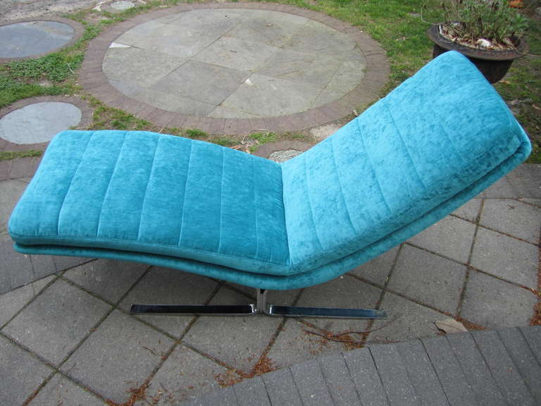 Amazing Harvey Probber Chrome Chaise Longue for Brayton International For Sale 3