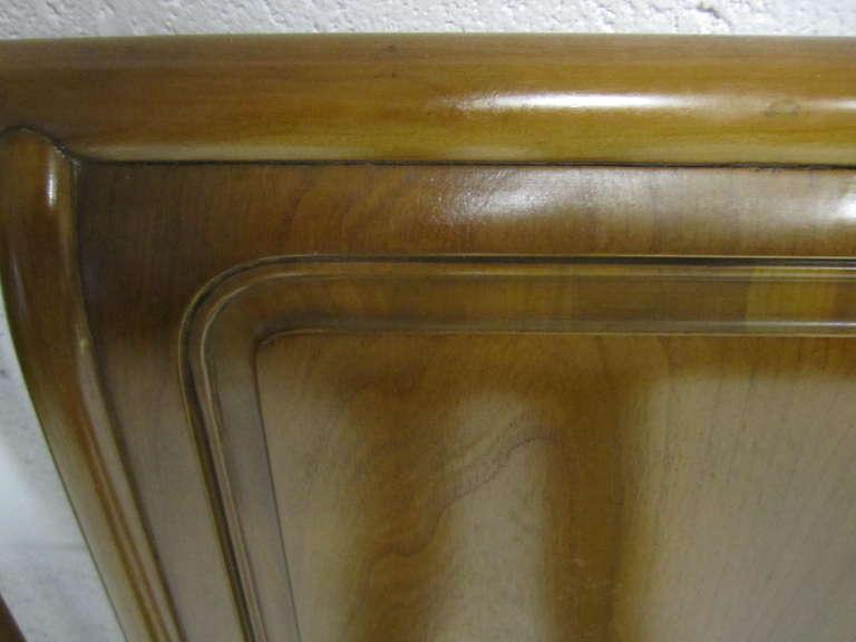 Lovely John Widdicomb Light Walnut Headboard Mid-Century Modern For Sale 2