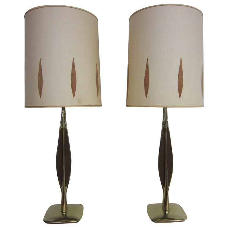 Pair Of Walnut And Brass Laurel Lamps With Original Shades Mid-century Danish  For Sale
