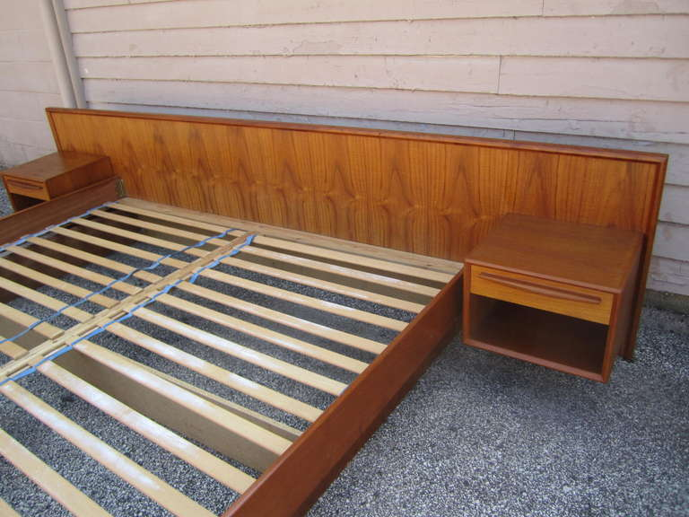 Stunning Danish Modern Teak Kingsize Platform Bed Night Stands At