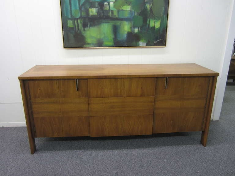 Mid-Century Modern John Widdicomb Mid-century Modern Caned Top Dale Ford For Sale