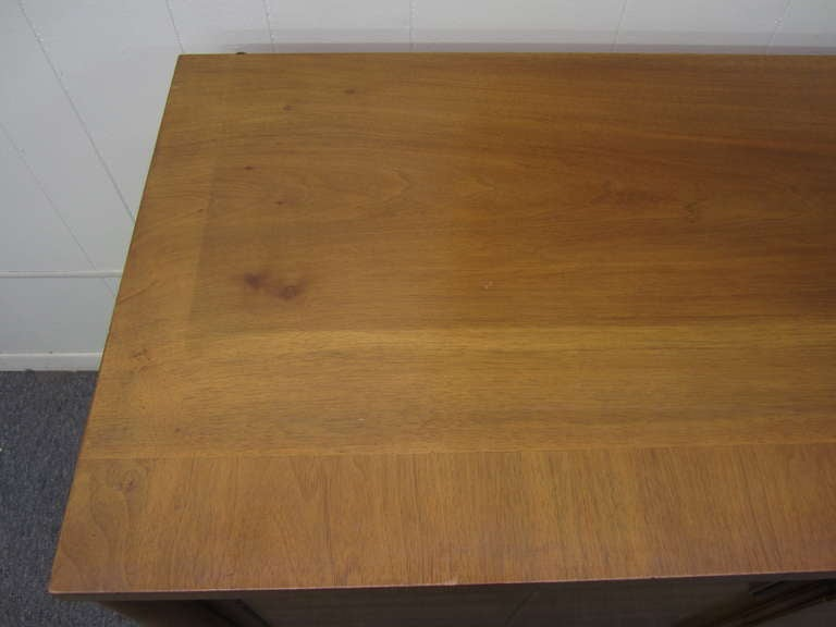 John Widdicomb Mid-century Modern Caned Top Dale Ford For Sale 3