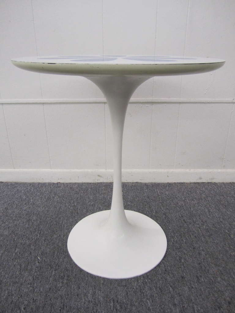 Gentil American Wonderful Saarinen Style White Laminate Flower Tulip Side Table Mid  Century For Sale