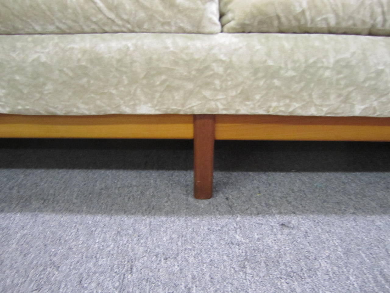 Mid-20th Century Dazzling R. Huber Curved Back Teak Sofa, Mid-Century Danish Modern For Sale