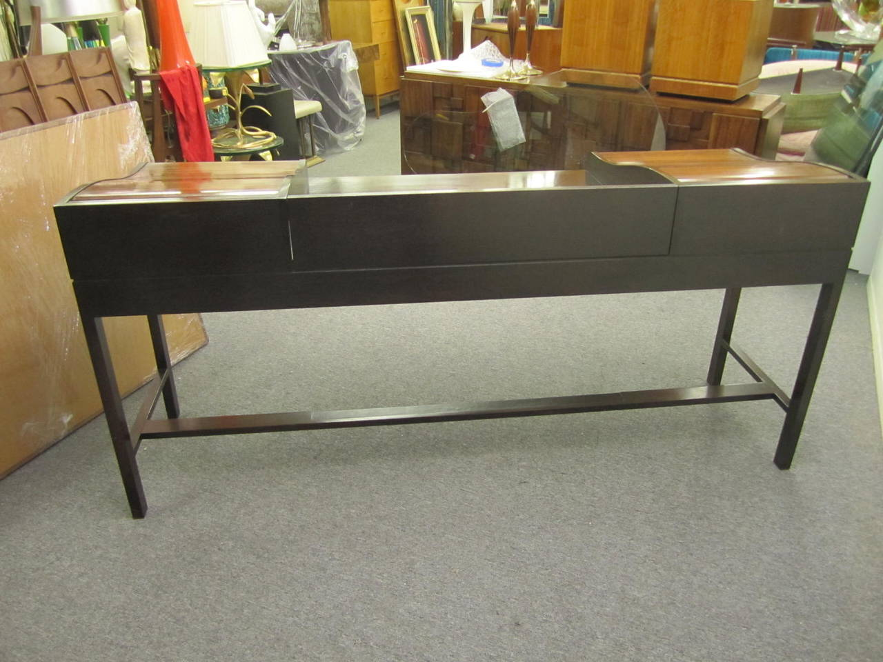 Excellent Rosewood Roll Top Desk by Edward Wormley for Dunbar Mid-Century Modern For Sale 3