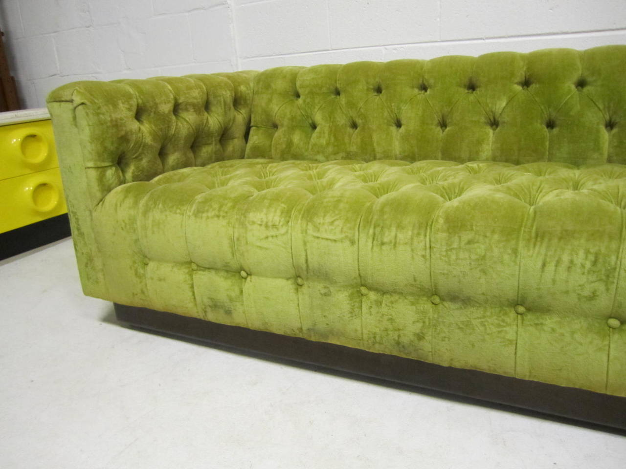 awesome dunbar style chesterfield tufted sofa mid century modern at 1stdibs. Black Bedroom Furniture Sets. Home Design Ideas
