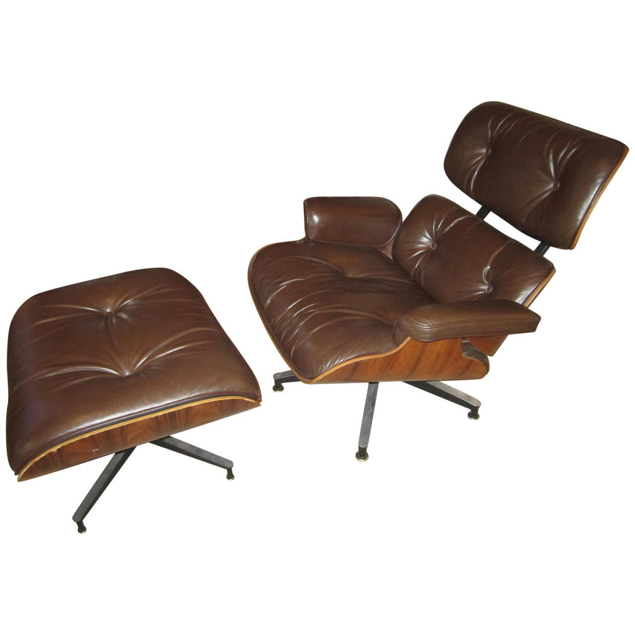 eames rosewood 670 lounge chair and ottoman by herman. Black Bedroom Furniture Sets. Home Design Ideas