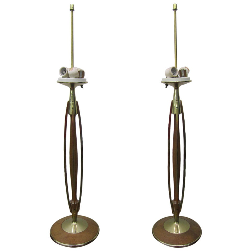 Gorgeous Pair of Walnut and Brass Laurel Lamps, circa 1950s