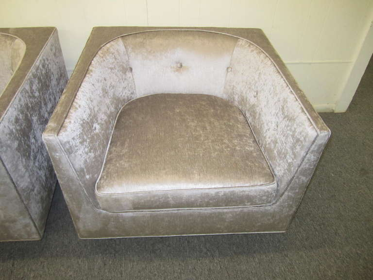 American Pristine Pair of Probber Style Cube Club Chairs Chrome Base, Mid-Century Modern For Sale