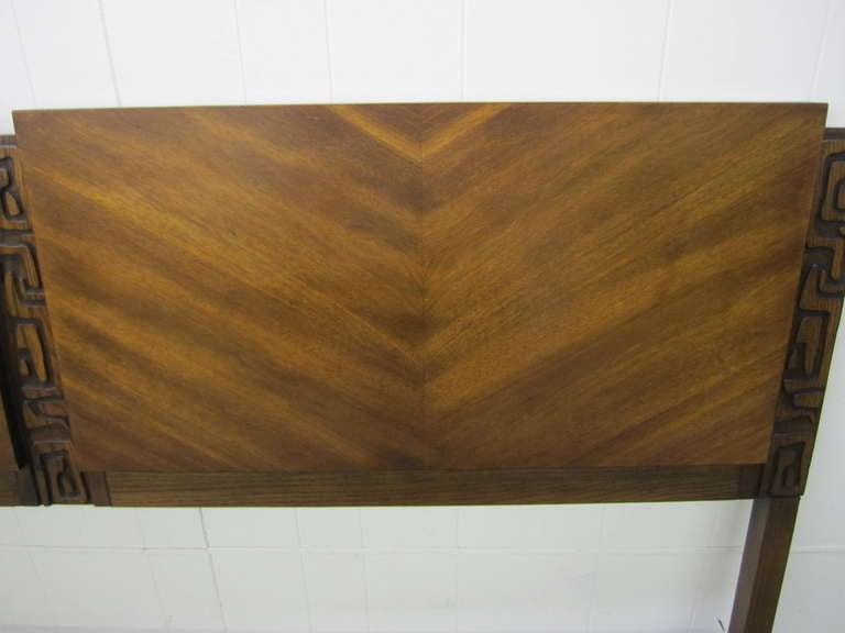 Paul Evans Style Walnut Sculptural Headboard Mid-century Modern For Sale 2