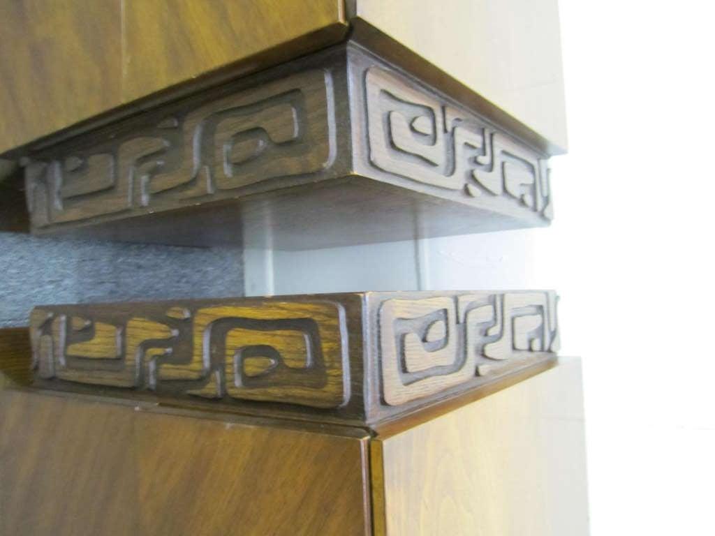 2 Paul Evans Style Sculptural Brutalist Walnut Night Stands Mid-century Modern For Sale 2