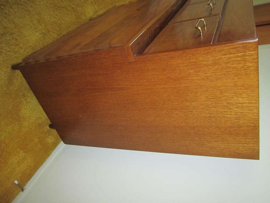 American Martinsville High Boy Walnut Dresser Chest Mid-century Modern In Good Condition For Sale In Medford, NJ