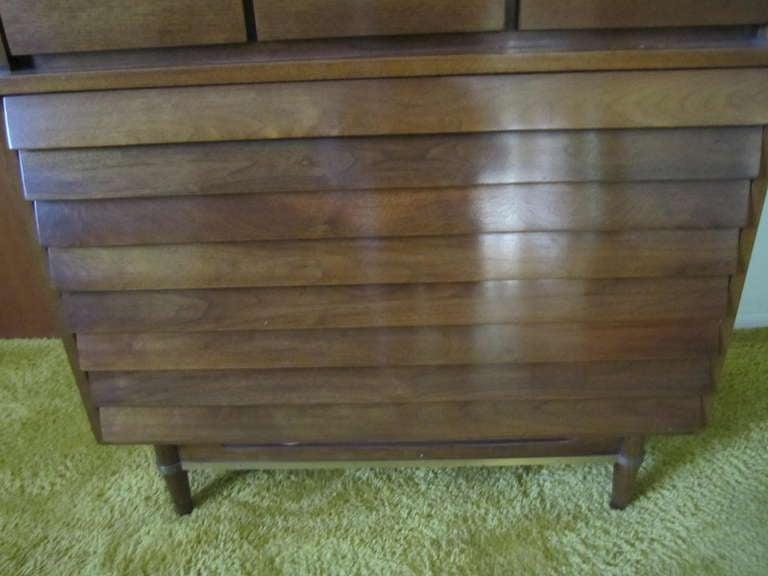 American Martinsville High Boy Walnut Dresser Chest Mid-century Modern For Sale 2